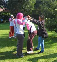 Team Building Games: Tupai dan Pemburu